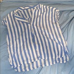 ❣️BLUE AND WHITE STRIPPED TOP❣️